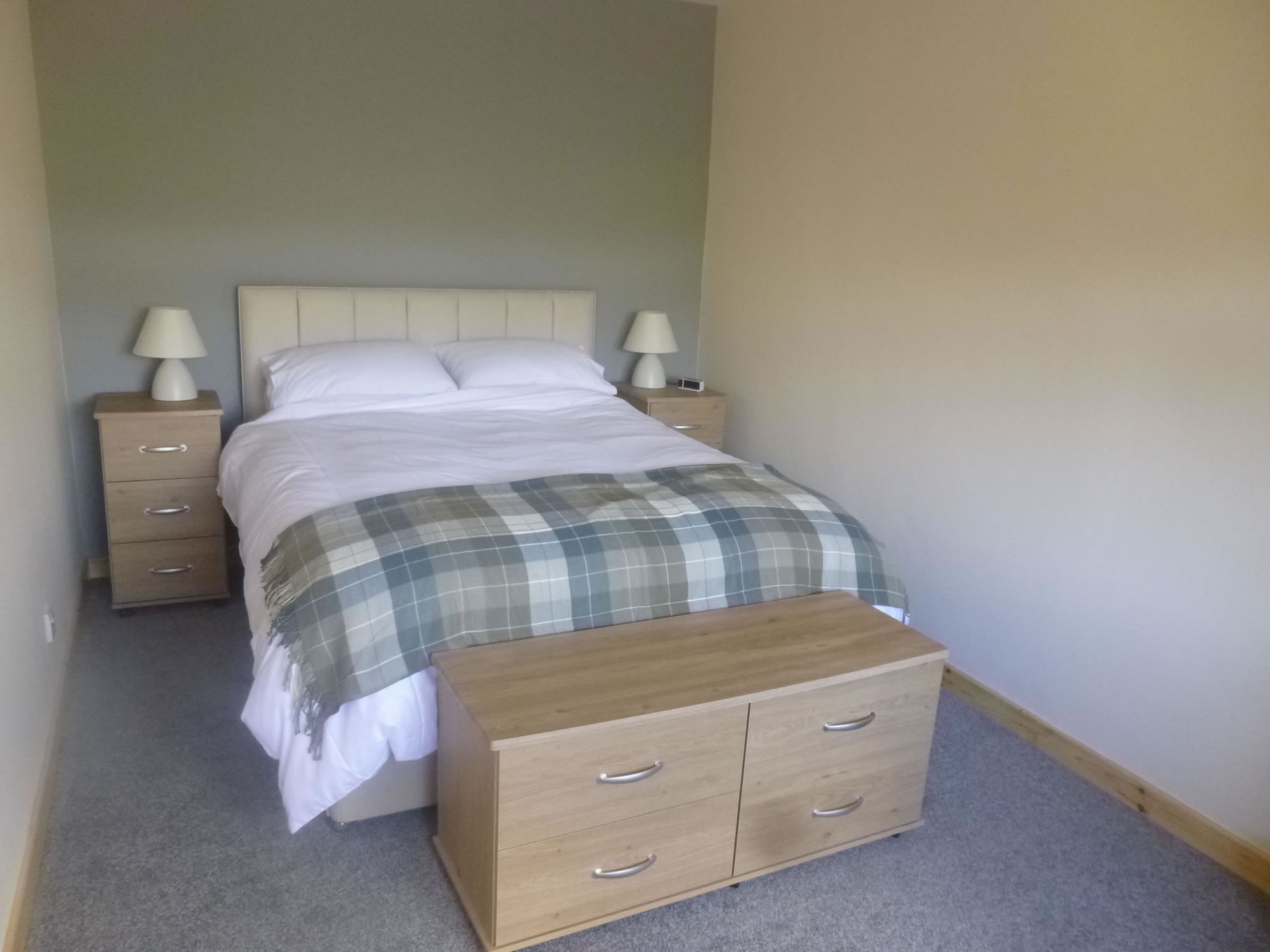 The double bedroom of Riverside Holiday Cottage Lockerbie