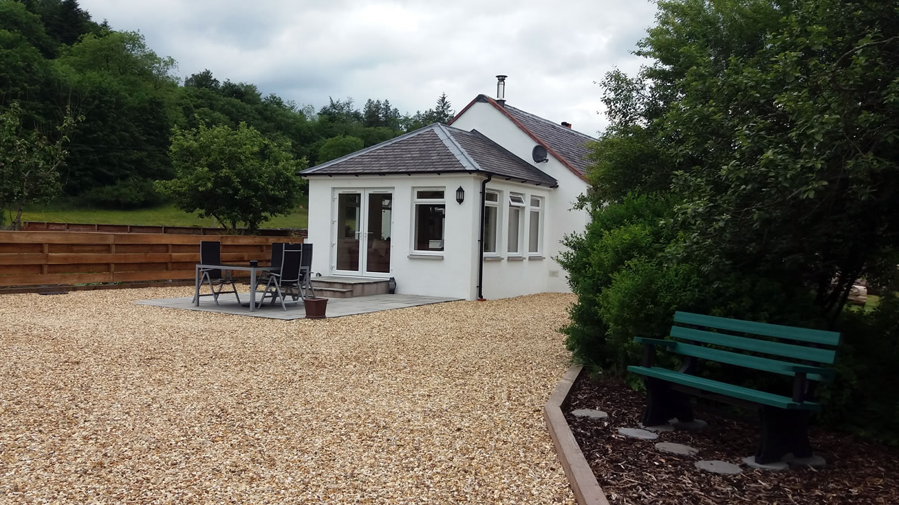 The garden of Riverside Self Catering Holiday Cottage Southern Scotland